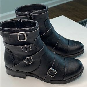 G By Guess Handsome Black Boots 7.5M NEW